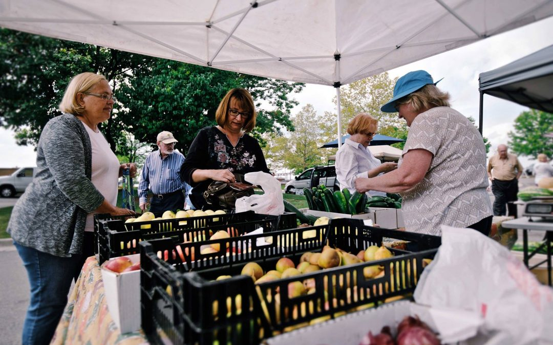 Farmer's Market at Minnetrista